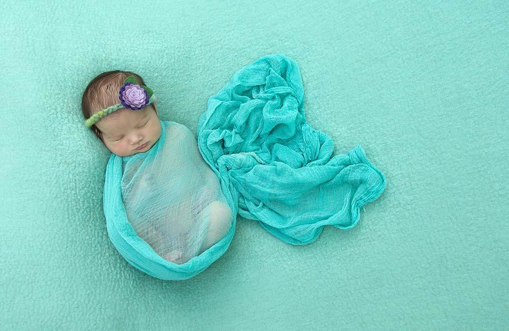 newborn photographer julie rose
